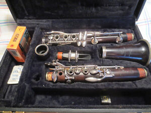 Boosey and Hawkes Ebony Clarinet w/case and reeds