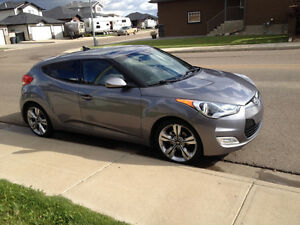 Steal of a deal 2012 Hyundai Veloster with Teck Packag Hatchback