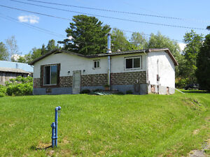 Nice cozy home 20 min From Blind River or Elliot Lake !