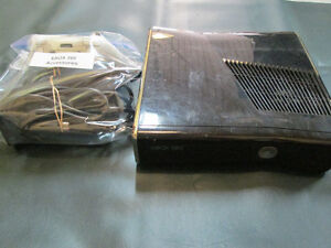 320 GB XBOX 360 System For Sale At Nearly New Port Hope Peterborough Peterborough Area image 1