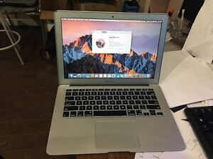 Apple Macbook Air 13.3 in