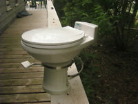 Low flush pedal toilet
