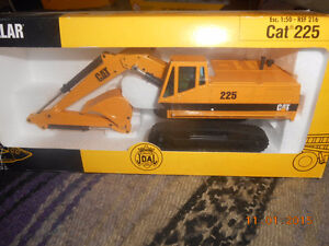 1/50 scale caterpillar equipment nib Kitchener / Waterloo Kitchener Area image 3