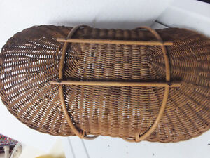 GARDEN - WEDDING  WICKER BASKET  -  DISPLAY London Ontario image 3
