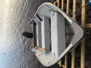 14' Lowe aluminum boat