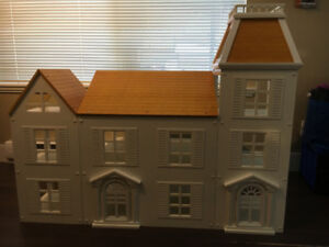 Dollhouse.  Collectors Special Buy! Reduced Price!