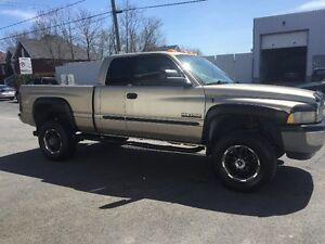 2002 Dodge Power Ram 2500 laramie Camionnette