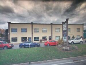 Bureau et local a louer parc industriel