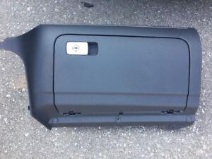 MK5 JETTA COMPLETE GLOVE BOX CONSOLE