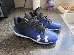 Youth Baseball Cleats (Underarmour) - Size 5