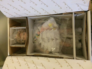 Collectible vtg Shirley Temple doll still in box