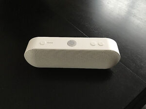 Beats by Dr. Dre Pill+ Bluetooth Wireless Speaker White