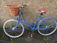 Amazing Pashley Poppy 26inch wheels Ladies Bike with wicker basket!!
