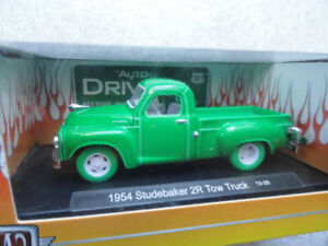 M2 Machines Green Chase Studebaker Tow Truck