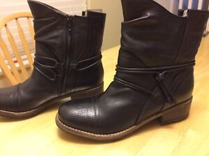 Woman's Clarks  boots size 8.5