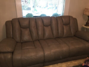 ELECTRIC RECLINING 3 SEATER ITALIAN LEATHER COUCHES