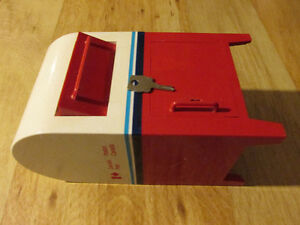 CANADA POST Mail Box Plastic Coin Bank Vintage Maple Leaf