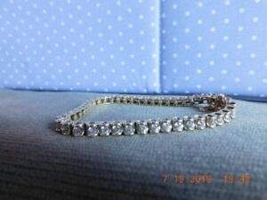 14KT YELLOW GOLD DIAMOND TENNIS BRACELET