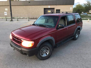 2000 Ford Explorer 4x4 Fresh Safety 185,000 kms