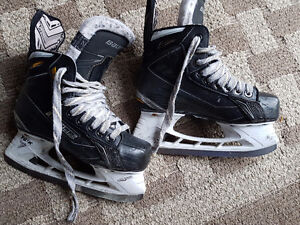 Bauer Tuuk Junior skate US 3 /2D