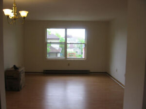 May 1 Allan Street Large 3 Bedroom Apt Near Downtown DAL SMU