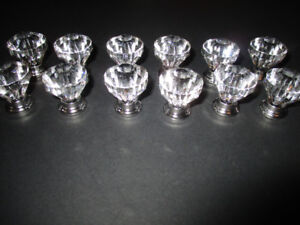 furniture/cabinet knobsset of 12 clear one inch