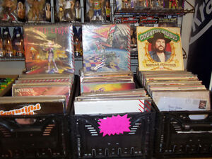 COOL WORLD, TOO -   COMICS AND COLLECTIBLES Belleville Belleville Area image 6