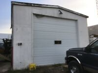 25 x 18 Commercial Work Shop with Car hoist heated $1000 a month