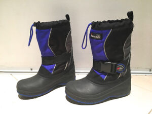 Thinsulate Kids Winter Boots Size 2