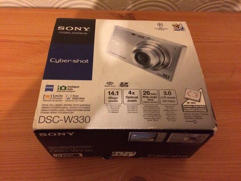 Sony cyber shot camera DSC-W330