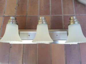 3-bulb Bathroom Vanity Light Fixture / Light Bar