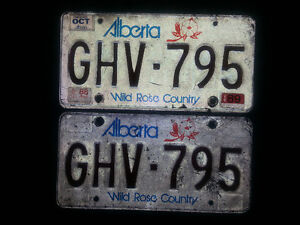 1988-1989 ALBERTA LICENSE PLATES SET. IN GOOD CONDITION ONLY 25$ London Ontario image 2