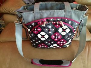 JJ Cole diaper bag Burgundy, grey & black West Island Greater Montréal image 5