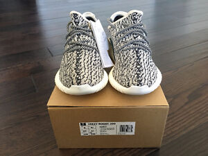 Yeezy 350 Turtle Dove - Size 5