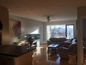 1585 Oxford Street, Summer Sublet, May-September