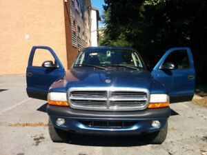 2004 Dodge Dakota Extended Cab Pickup Truck