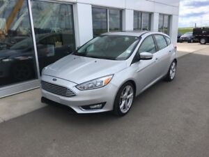 2016 Ford Focus Titanium Hatch  FINANCING FROM 4.99% APR!! OAC.