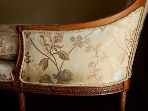 ANTIQUE FRENCH CARVED LOUIS XVI CHAISE LOUNGE RAW SILK FABRIC Kitchener / Waterloo Kitchener Area image 4