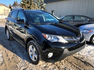 2014 Toyota RAV4 XLE AWD SUV - Navigation, camera, sunroof