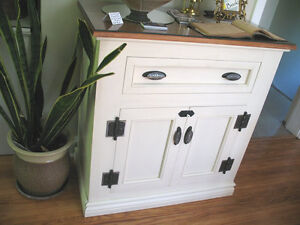One of a Kind, Custom Made Victorian Country cabinet/hutch Kingston Kingston Area image 3