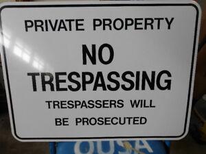 2 No Trespassing  metal signs