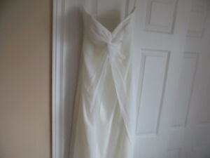 Beautiful Ivory Strapless Wedding Gown, - size 14