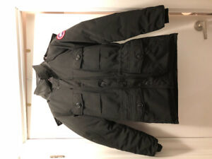 Canada Goose Banff Parka - Small Black - Dry Cleaned
