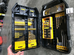 Dewalt drill bit, driver mega kit. (new)