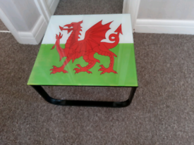 Glass Wales side table