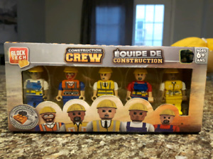 Brand new sealed 5 Block Tech Construction Crew toy figures