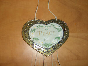 """Heart Shaped Chimes (has""""Peace"""") on it Kitchener / Waterloo Kitchener Area image 2"""