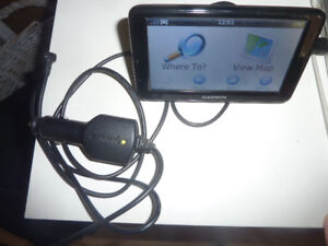 Bluetooth GARMIN 2595 LMT GPS with accessories, very good cond.