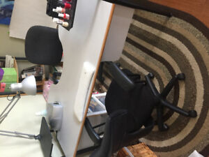 Manicure Table c/w Lamp & Chair