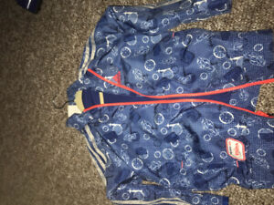 Adidas jacket size 5 to 6 years old